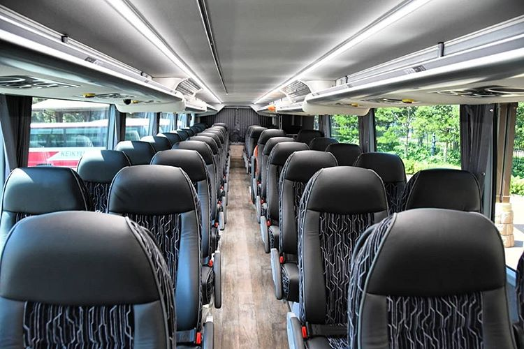 Seat Bus Wisata, sumber ig masaaki_yamanishi7478