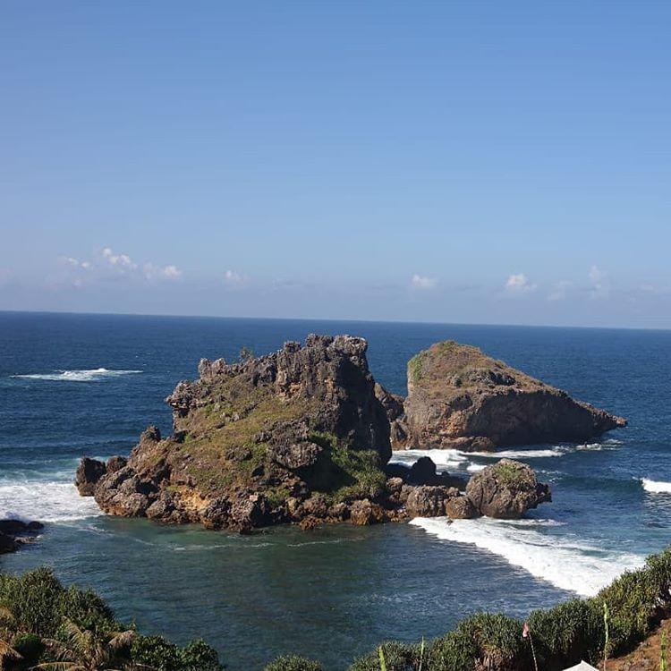Pantai Nglambor, sumber ig wibowo_id