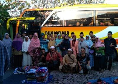 Bus pariwisata Jogja Rafira digunakan rombongan pengajian dan ziarah