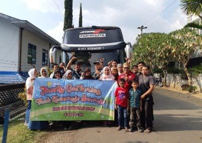 Family Gathering menggunakan bus Jogja Rafira