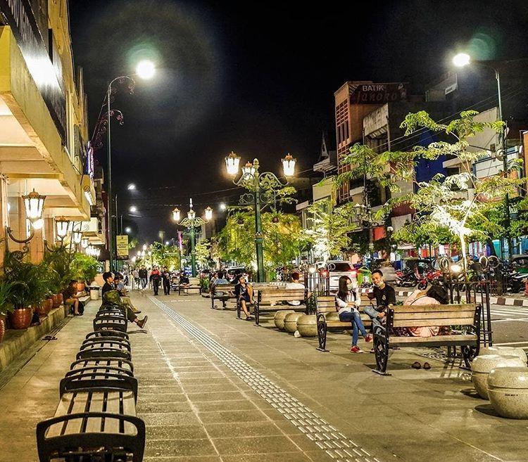 10 Spot Belanja Oleh-Oleh di Yogyakarta yang Unik dan Asik