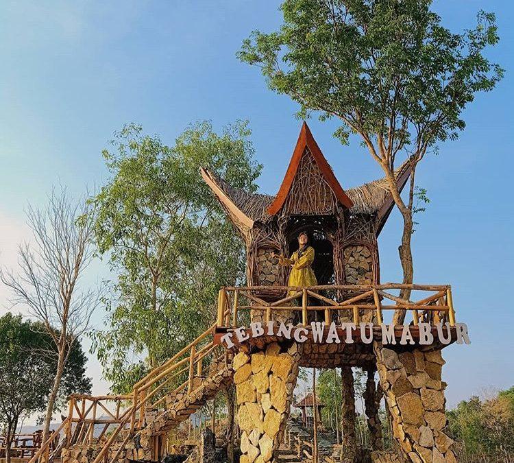 Spot Wisata Instagenik Tebing Watu Mabur