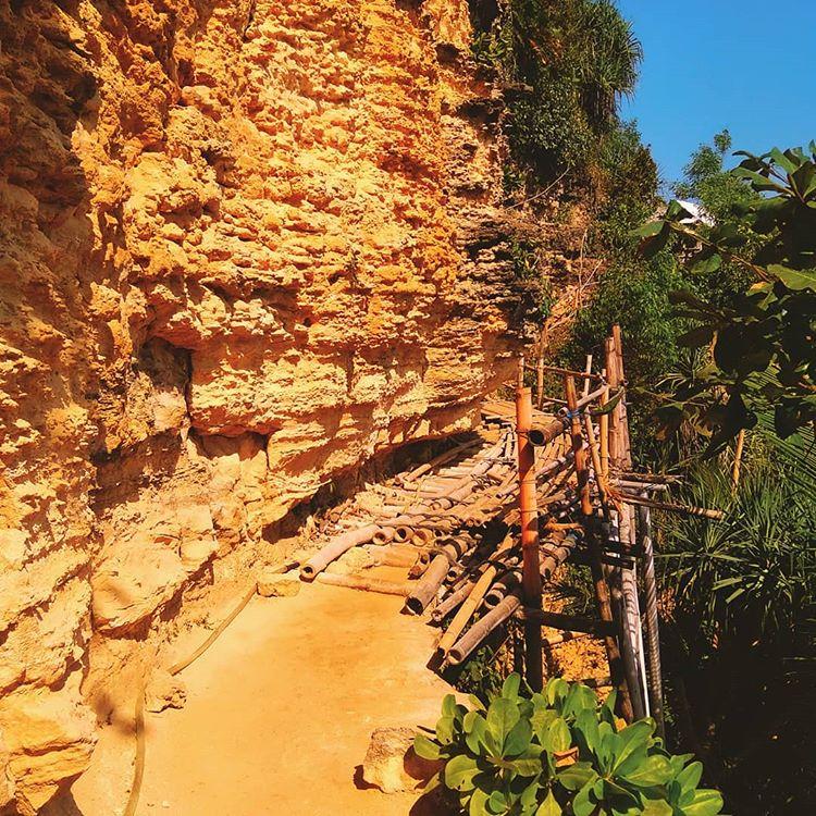 Tebing Karst di Pok Tunggal, sumber ig kurniawanyudha_212
