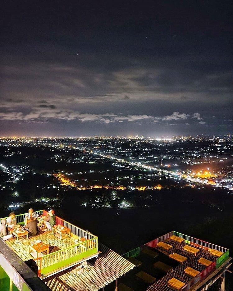 Bukit Bintang, sumber ig javascenery