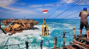 Menyaksikan Pesona Pantai Timang di Jogja