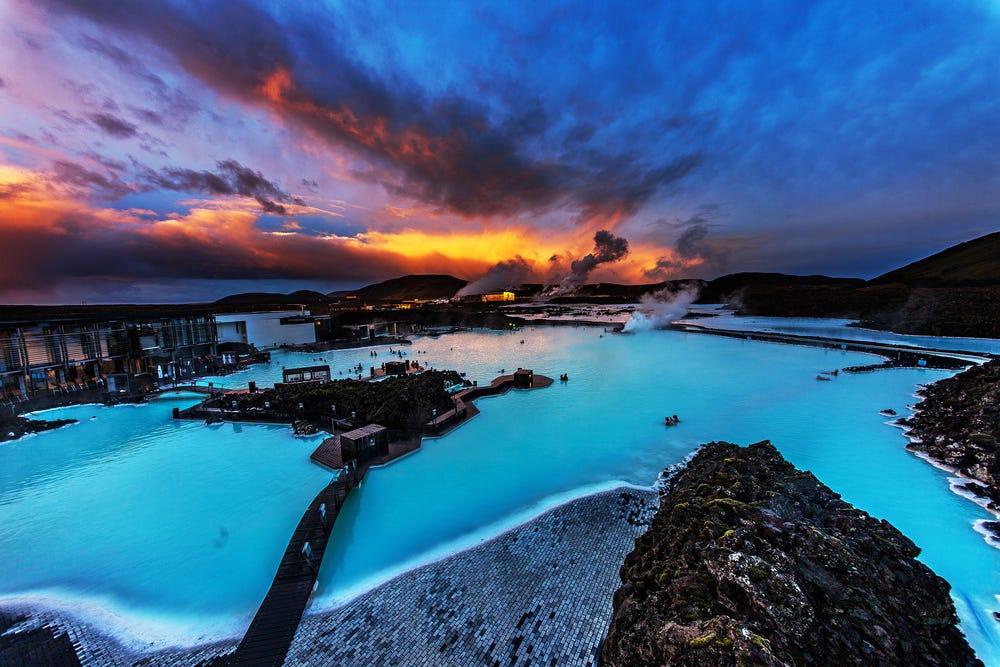 Tempat Pemandian Air Panas Alami Blue Lagoon, sumber : Business Insider