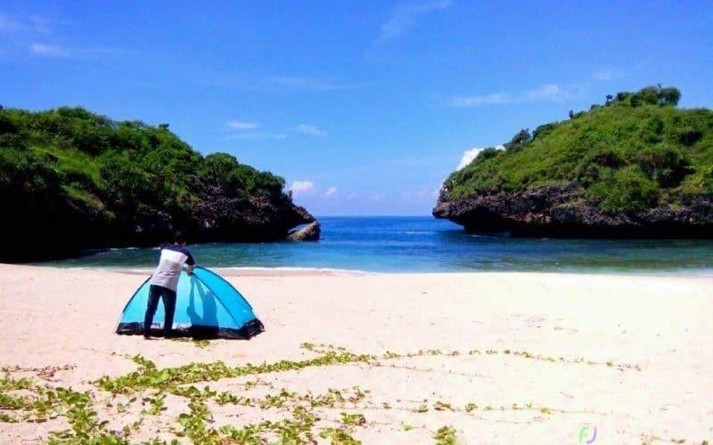 Pantai di Jogja, sumber : WisataBaru.Com