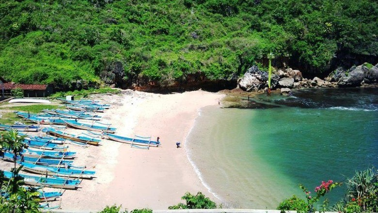 Wisata Alam Gunungkidul : Ada Goa Pindul!